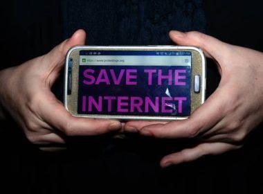 EUA derruba neutralidade na Internet; empresas poderão cobrar serviços à parte