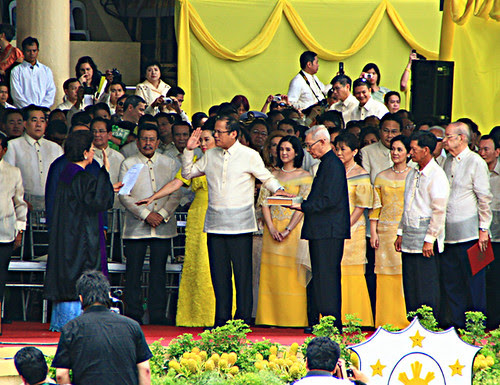 Flickr: chardinet - Pres. Noynoy Aquino Inauguration 2010