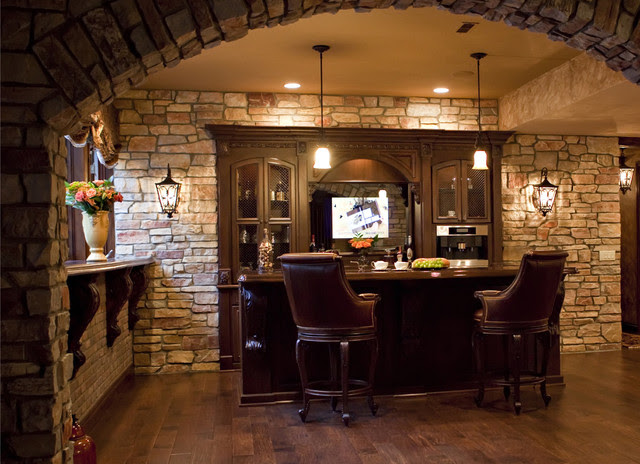 Lower Level European Country - traditional - basement - detroit