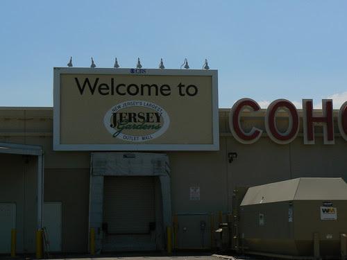 Compras em New Jersey - o outlet Jersey Gardens ~ Viagens ...