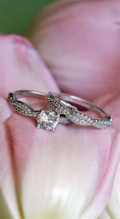 The stunning Twisted Vine Engagement Ring/Wedding Band
