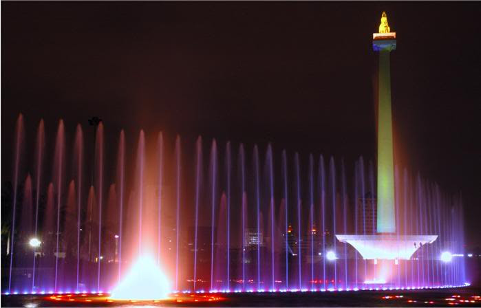 http://kassaszony.files.wordpress.com/2011/01/monas6.jpg