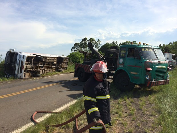 Acidente na ERS-030 deixou mortos em Glorinha, no Rio Grande do Sul (Foto: Felipe Truda/G1)