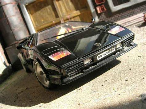 Lamborghini Countach 5000 Quattrovalvole schwarz Burago modellauto 1/18   Kaufen/Verkauf