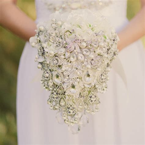 15% Discount on Noaki Brooch Bouquets & Bridal Accessories