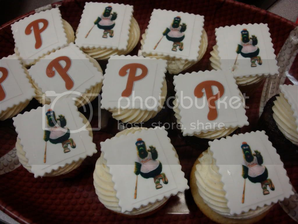 Phillies cupcakes
