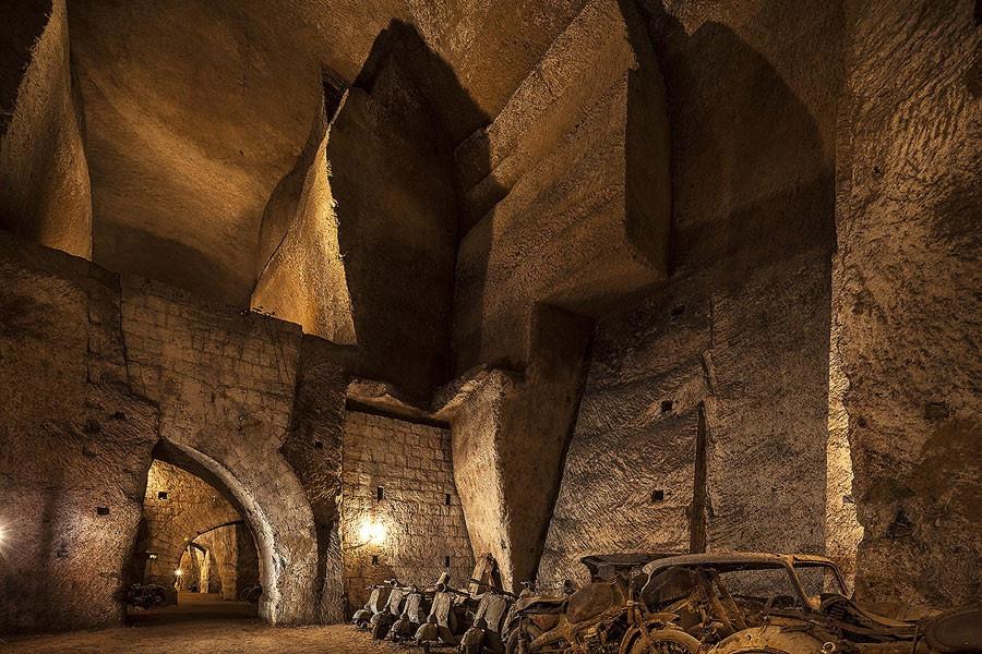 Atualmente, túneis estão abertos à visitação (Foto: Divulgação/Associazione Culturale Borbonica Sotterranea)