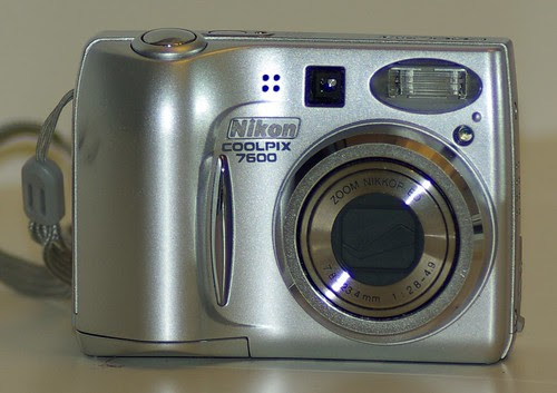 2007-02-13 Nikon Coolpix 7600