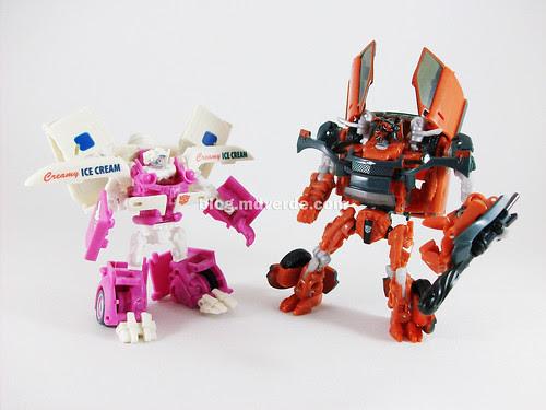 Transformers Mudflap RotF Deluxe vs Ice Cream Truck - modo robot