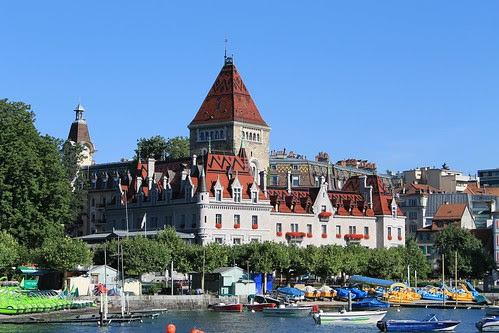 Lausanne Lake Side by Nouhailler, on Flickr