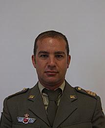 Militar español muere en Afganistán en un intercambio de disparos con la insurgencia.