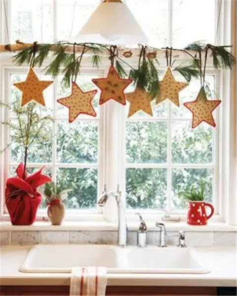 55 Awesome Christmas Window Décor Ideas  DigsDigs