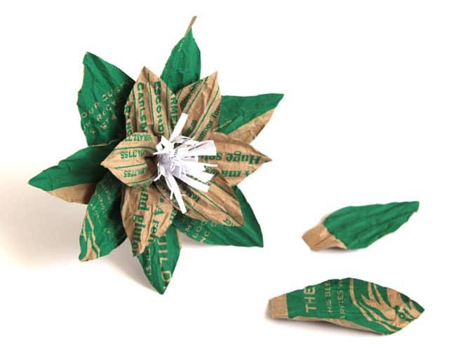 http://i1.wp.com/www.apieceofrainbow.com/wp-content/uploads/2014/11/Grocery-bag-flower-apieceofrainbowblog-1b.jpg