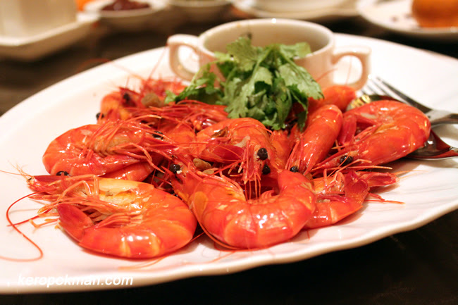 Poached Live Prawns with Chinese Wine