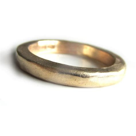 Thick Solid Gold wedding ring in 22 carat yellow gold