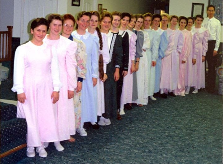 Warren Jeffs and 17 of his wives from the film Sons of Perdition