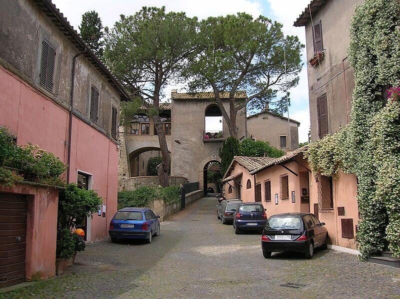 File:Isola Farnese 2006.jpg