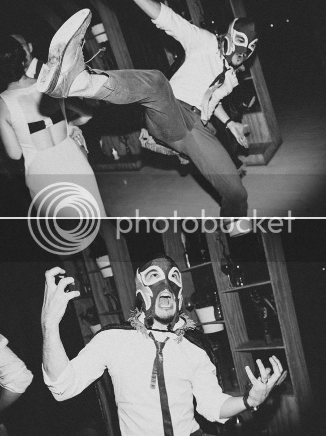http://i892.photobucket.com/albums/ac125/lovemademedoit/welovepictures%20blog/CC_OldMacDaddy_Elgin_Wedding__118.jpg?t=1355209034