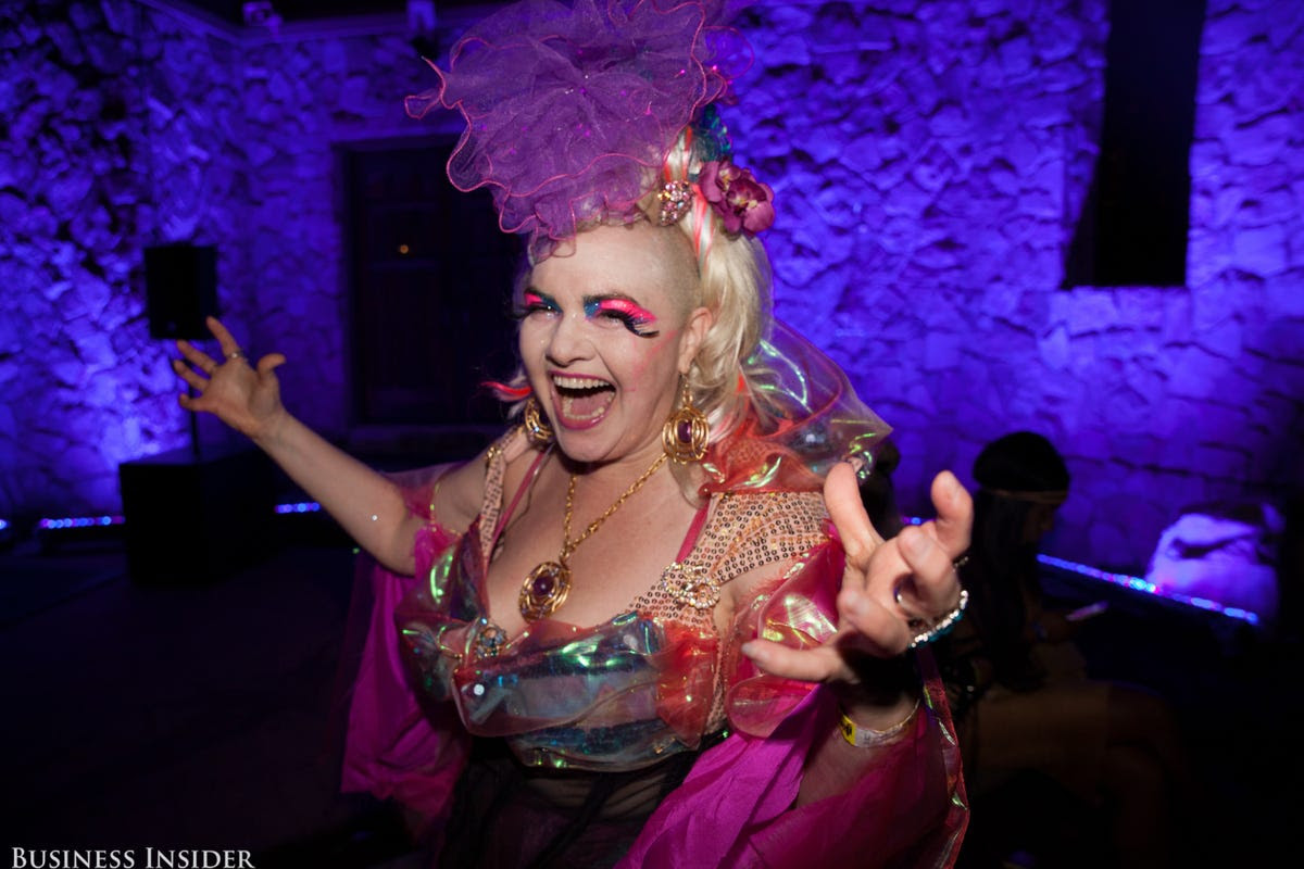 New York astrologer Angel Eyedealism raved about Sir Ivan's fabulous parties.