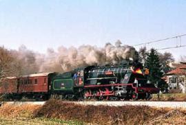 El tren histórico de las Fuerzas Armadas, casi a punto.