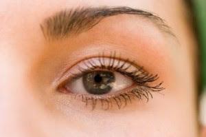 Cara Mengatasi Mata Perih dan Berair