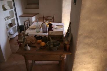 Se representa una casa tradicional de los años 50.