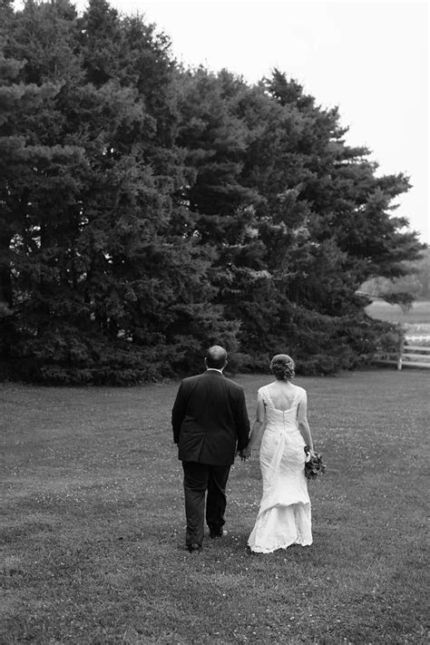 Barn Wedding Venues in WisconsinJames Stokes Photography