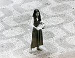 Foto no Arquivo Nacional mostra militante durante ato em prol da Lei da Anistia; o registro identifica como sendo a atriz Lucélia Santos, mas a atriz nega ser ela na foto Leia mais