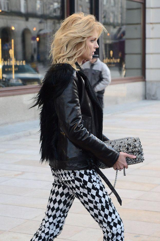 photo la-modella-mafia-Anja-Rubik-2013-model-street-style-in-Balmain-printed-jeans-and-fur-11_zps04e669db.jpg