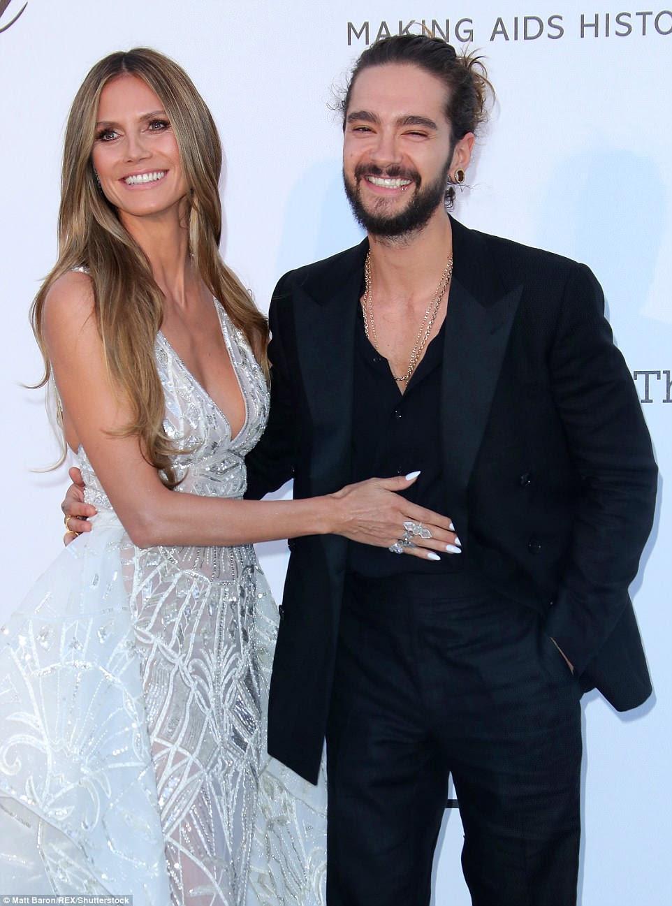 Enquanto isso, Heidi Klum usou o evento para fazer sua glamorosa estreia no tapete vermelho com seu amante mais jovem, Tom Kaulitz, 28