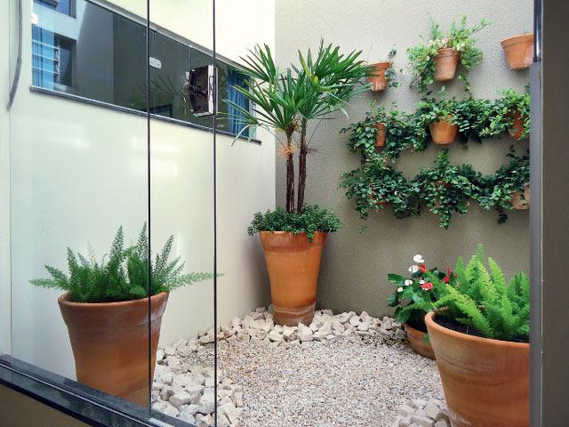 Resultado de imagem para decoração de jardim pequeno dentro de casa em vasos