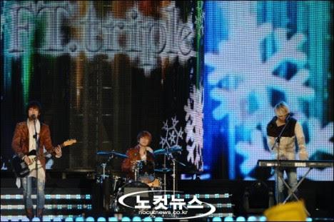FTTRiple_VisitKorea_1112009