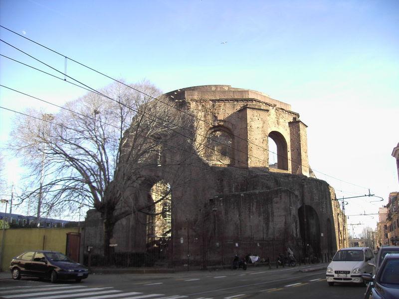 Fil: Esquilino - Tempio di Minerva medica - Horti liciniani 2059.JPG