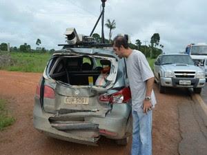 Edivaldo, condutor do veículo de passeio atingido por uma das carretas (Foto: Eliete Marques/G1)