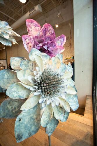 anthropologie-display-flowers