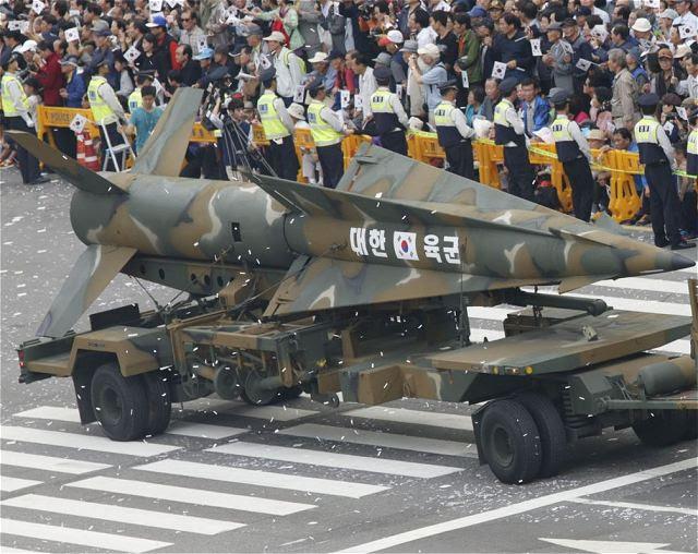 Corea del Sur ha llevado a cabo la semana pasada, el lanzamiento con éxito de un nuevo misil balístico capaz de atacar la mayor parte de Corea del Norte, su Ministerio de Defensa Nacional, dijo el Viernes, 04 de abril 2014. El nuevo misil tiene un alcance de 500 kilómetros y una carga útil de 1.000 kg, fue lanzado el 23 de marzo a partir de un sitio de prueba en Taean, una ciudad costera 110 km al suroeste de Seúl.