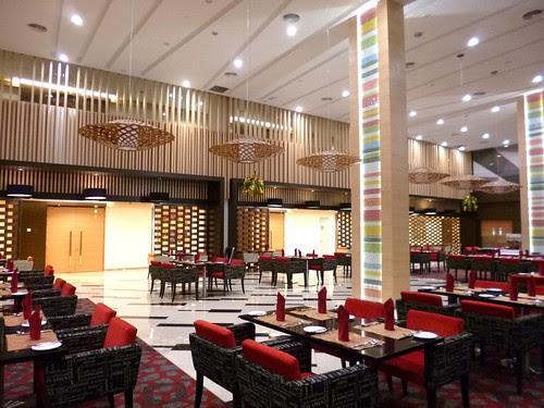 Fuze Restaurant The Everly Hotel (7)