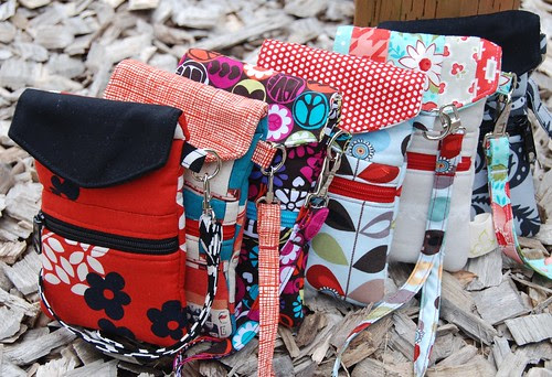 Trillium Cell Phone Wristlet Pattern Giveaway!