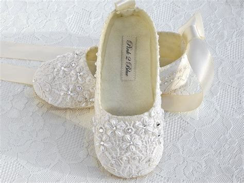 Benefits of Flat Wedding Shoes   Wedding Ideas