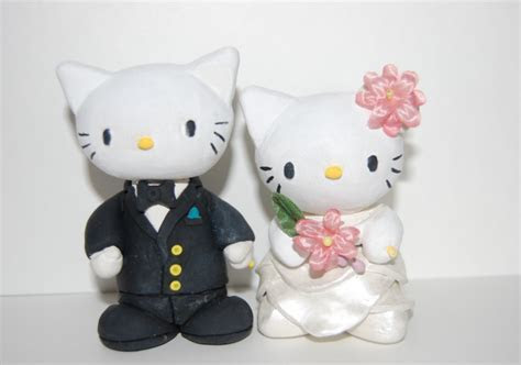 Hello Kitty Wedding Cake Topper with big flowers.PNG Hi