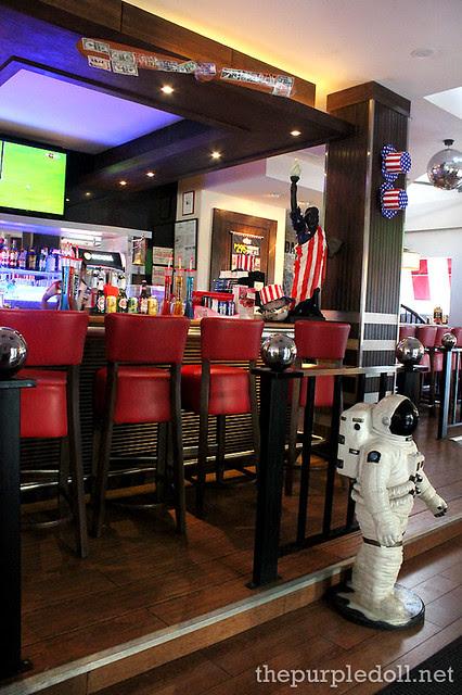 TGI Friday's Eastwood Bar