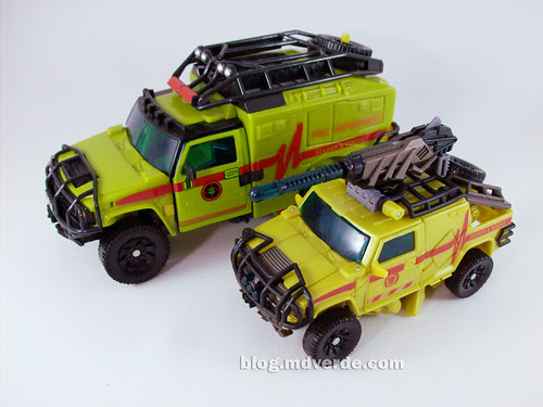 Transformers Ratchet Deluxe RotF NEST vs Voyager - modo alterno