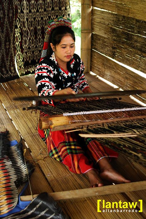Divina weaving