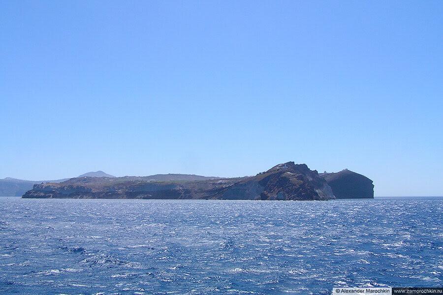 Приближаемся к Санторини