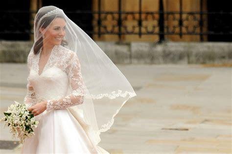 Kate Middleton Wedding Dress by Designer Sarah Burton for