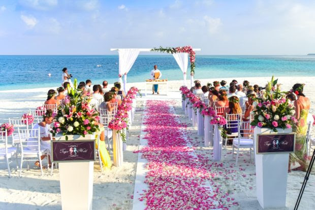 How to Plan a Perfect Destination Wedding on a Budget
