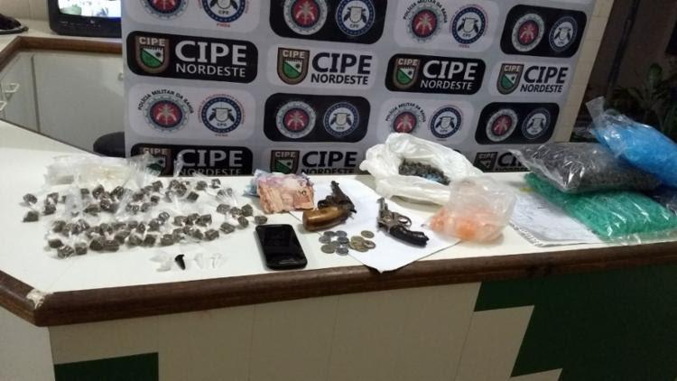 Material apreendido com os suspeitos - Foto: Divulgação   SSP-BA