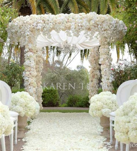 Wedding Inspiration: An Outdoor Ceremony Aisle ~ Wedding Bells