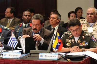 Estados de Unasur analizan crear la primera Escuela de defensa de la región