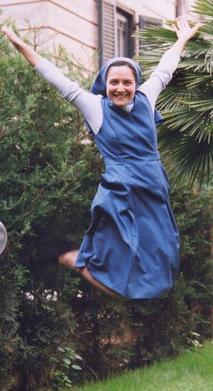 Freira dançante da basílica de Santa Croce (Foto: Giuseppe De Carli)